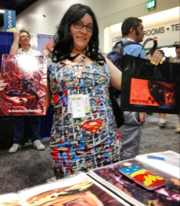 Creepy DC fan στο booth του Dan Brereton